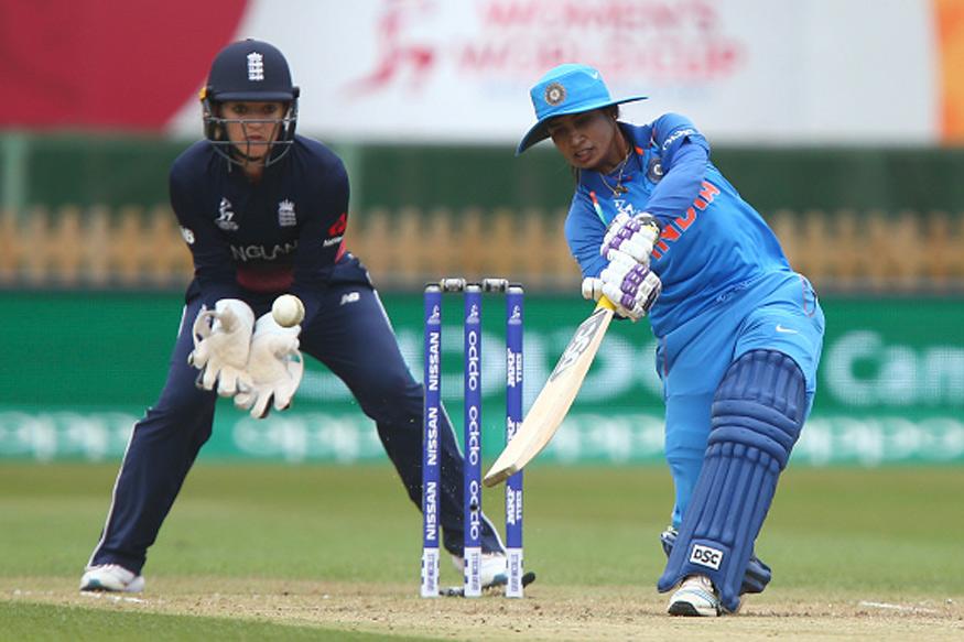 महिला विश्वकप फाइनल: भारतीय टीम की कप्तान के हाथ में दिखी उनकी सबसे प्यारी चीज.. मानती हैं सबसे लकी, जीत पक्की 2