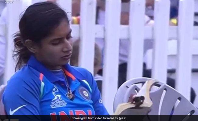 महिला विश्वकप फाइनल: भारतीय टीम की कप्तान के हाथ में दिखी उनकी सबसे प्यारी चीज.. मानती हैं सबसे लकी, जीत पक्की 1