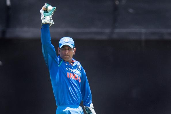 आखिर इस समय कहाँ पर है धोनी के साथ भारतीय टीम के लिए पहला मैच खेलने वाले भारतीय खिलाड़ी 1