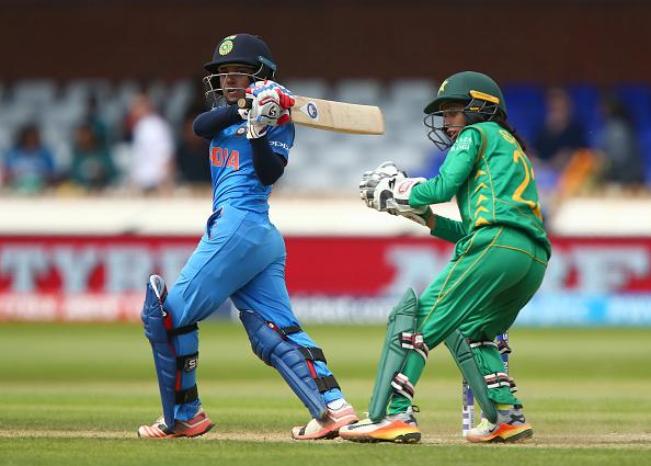 भारतीय महिला टीम ने दिया पाकिस्तान को मात लेकिन इस बार अर्शी खान ने फिर किया बेशर्मी पार और महिलाओ पर किया आपत्तिजनक टिप्पणी 1