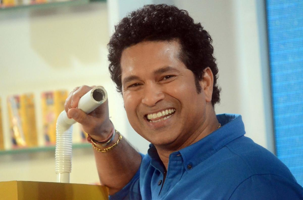 ये भारतीय खिलाड़ी है सबसे ज्यादा अमीर, कोहली और धोनी को पछाड़ इस खिलाड़ी ने टॉप पर बनाई है जगह 11