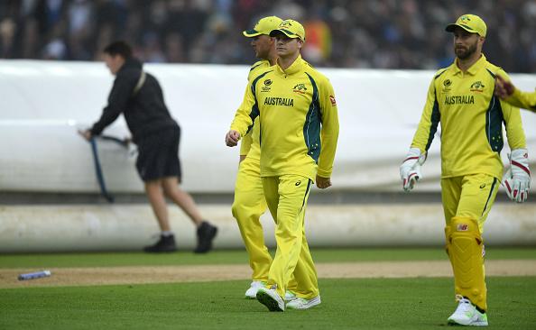 ऑस्ट्रेलियाई खिलाड़ी और बोर्ड के बीच चल रही जंग के बीच में उतरे इयान हिली