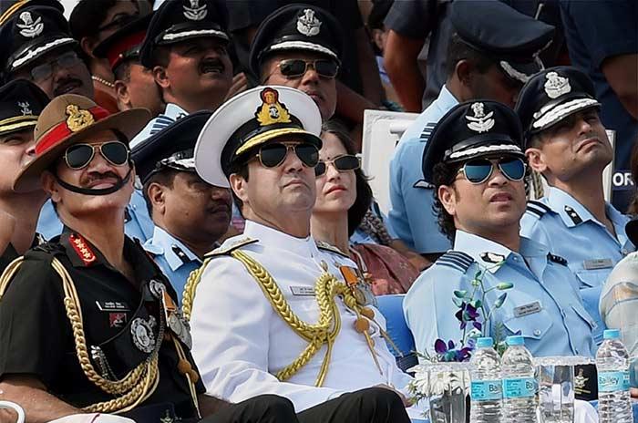 अगर ये भारतीय खिलाड़ी न होते क्रिकेटर तो कर रहे होते आज दुश्मनों से सीमा की सुरक्षा 2