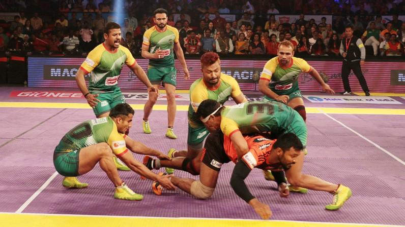 पटना पाईरेट्स की तेलगु टाईटन्स पर 43-36 की बड़ी जीत के बाद पटना पाईरेट्स रही ट्वीटर पर चर्चा का विषय