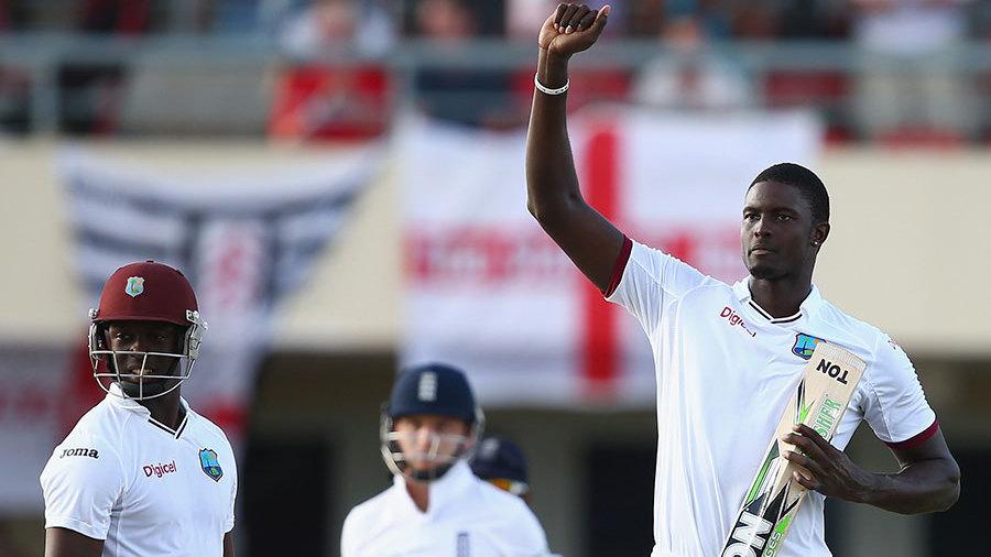 वेस्टइंडीज के कप्तान जेसन होल्डर ने की इंग्लैंड के खिलाफ मैच में शर्मनाक हरकत, लग सकता है 1 टेस्ट का प्रतिबन्ध 4