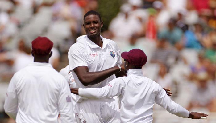 वेस्टइंडीज के कप्तान जेसन होल्डर ने की इंग्लैंड के खिलाफ मैच में शर्मनाक हरकत, लग सकता है 1 टेस्ट का प्रतिबन्ध 1