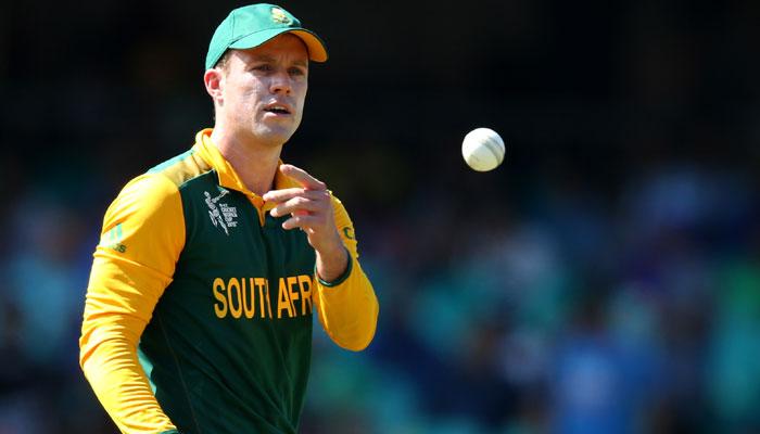 ब्रेकिंग न्यूज़: ए बी डीविलियर्स ने लिया बड़ा फैसला छोड़ी वनडे क्रिकेट की कप्तानी, खेलते रहेंगे टेस्ट क्रिकेट