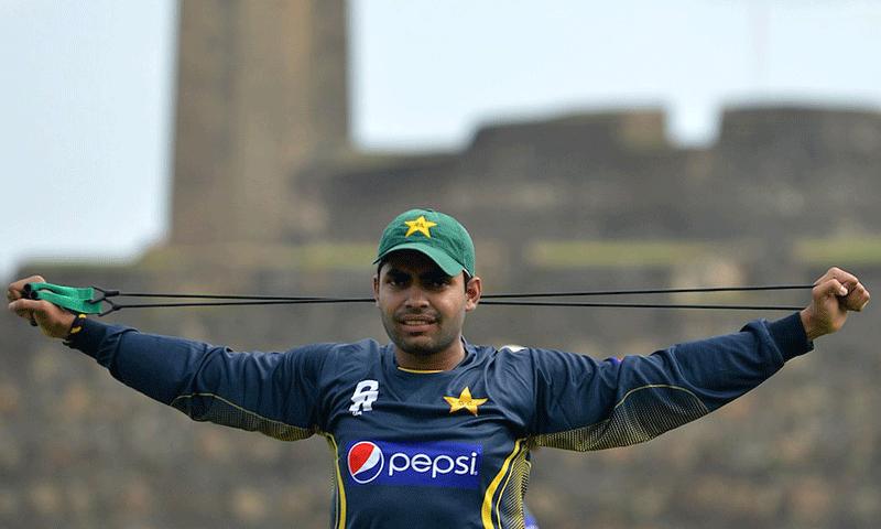 VIDEO: उमर अकमल ने शेयर की ये वीडियो, पाकिस्तानी क्रिकेट प्रसंशको ने जमकर उड़ाया अकमल का मजाक 61