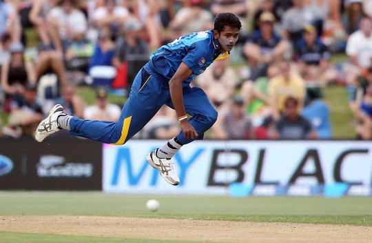भारतीय कोच राहुल द्रविड़ श्रीलंका के इस गेंदबाज के हुए कायल, कहा आगे चलकर बन सकता है महान गेंदबाज 3