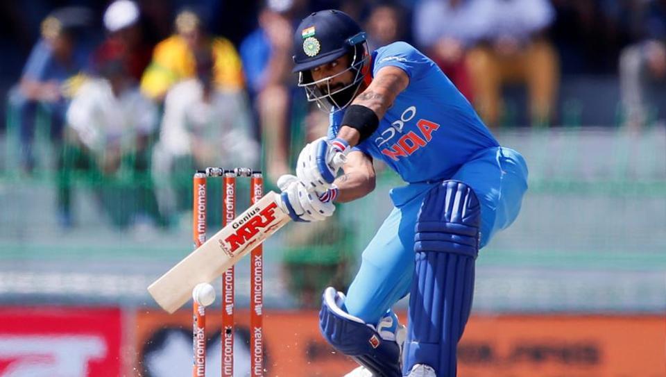 किसने क्या कहा: श्रीलंका के खिलाफ अपना 300वाँ मैच खेलते ही ट्विटर पर छाये धोनी, कोहली का शतक भी पड़ा धूमिल 1