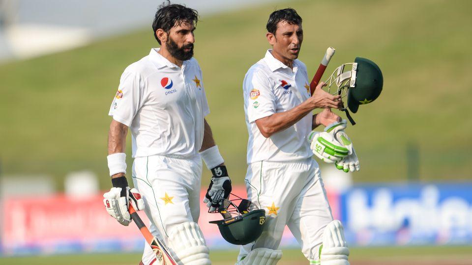 सात सालों से पाकिस्तान की टीम से बाहर चल रहे इस खिलाड़ी ने मिस्बाह उल हक और यूनिस खान को लेकर दिया विवादित बयान 16