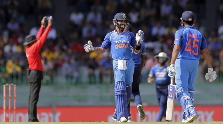 किसने क्या कहा: श्रीलंका के खिलाफ अपना 300वाँ मैच खेलते ही ट्विटर पर छाये धोनी, कोहली का शतक भी पड़ा धूमिल 2
