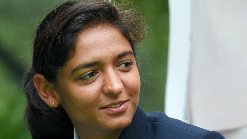 अनुष्का या श्रद्धा नहीं, बल्कि इस अभिनेत्री को अपनी बायोपिक में देखना चाहती हैं हरमनप्रीत कौर 6