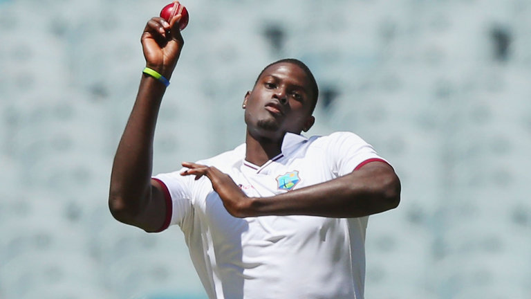 वेस्टइंडीज के कप्तान जेसन होल्डर ने की इंग्लैंड के खिलाफ मैच में शर्मनाक हरकत, लग सकता है 1 टेस्ट का प्रतिबन्ध 5