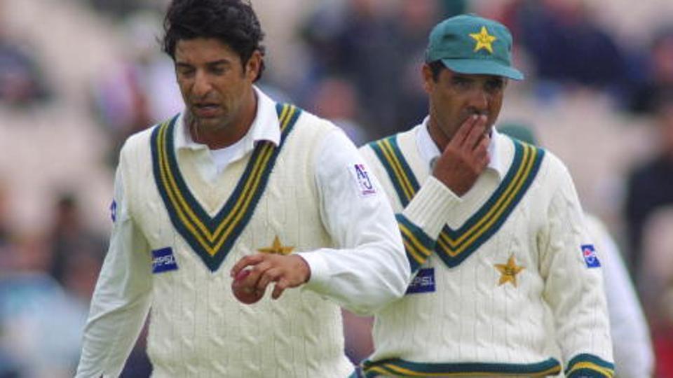 पूर्व पाकिस्तानी तेज गेंदबाज वकार युनिस ने सचिन और लारा में इस खिलाड़ी को बताया महान 16