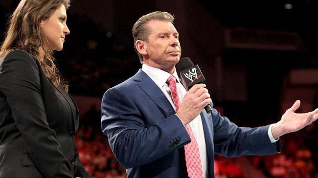 NEWS: थम नहीं रहे WWE के बुरे दिन, पैसे कटौती समेत रेसलरो की छुट्टी करने की आ गयी है नौबत 1