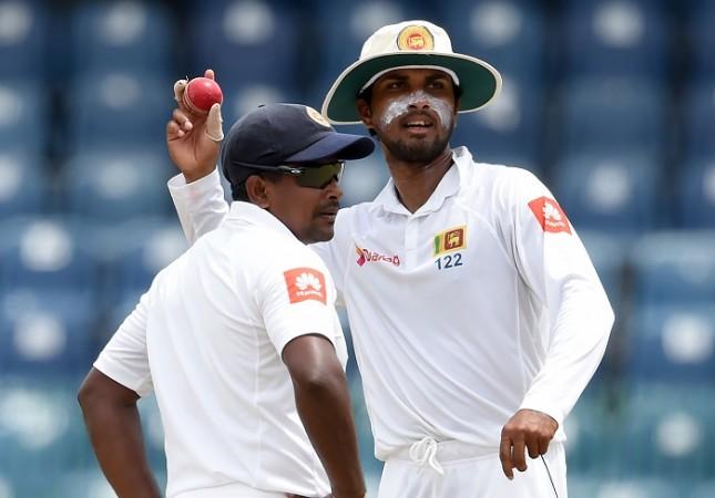 कोलकाता में रंगना हेराथ के खराब गेंदबाजी पर अब खुलकर बोले कप्तान चंदीमल, कह गये हेराथ को लेकर ये बात 5
