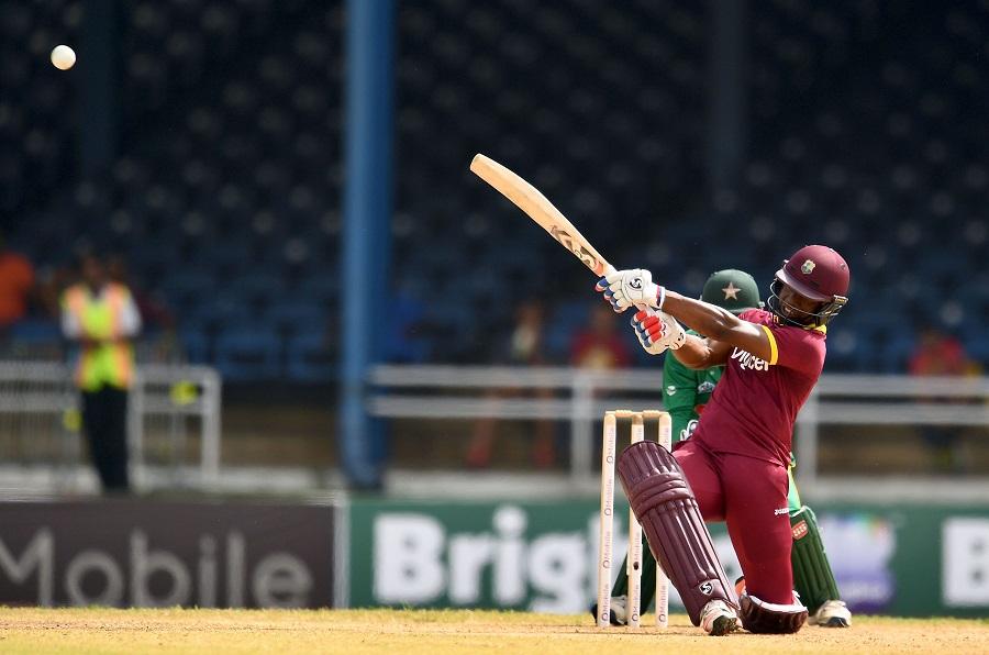 माही के सबसे बड़े रिकाॅर्ड को तोड़ने से महज 7 रनों से चूका वेस्टइंडीज का यह दिग्गज बल्लेबाज, इसी वजह से बने थे पहली बार कप्तान 5