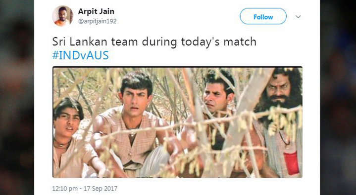 21 ओवर में भी आसान सा लक्ष्य हाशिल न कर पाने की वजह से कुछ यूजर्स ने ऑस्ट्रेलिया के लिए किया ऐसे ट्वीट देख नहीं रुकेगी शाम तक हँसी 9