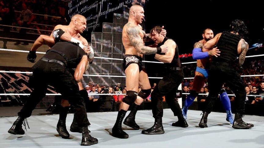 PHOTO: ये हैं WWE रेस्लरो की वो तस्वीरें जो उनके अंतिम मैच के समय ली गयी, 7 वीं तस्वीर देख हो जायेंगे भावुक 6