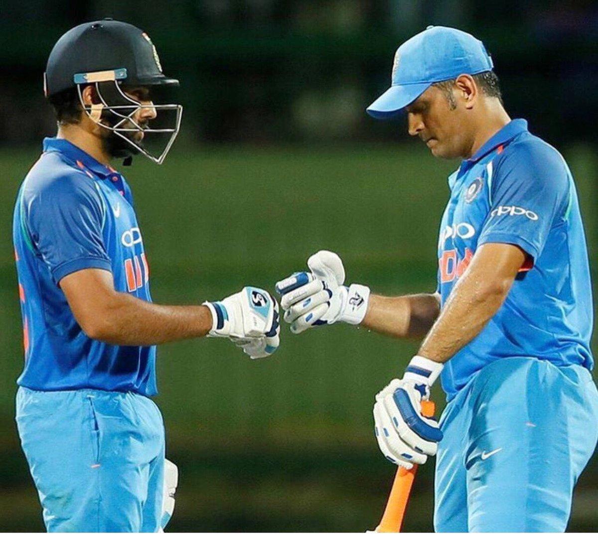 RECORDS: ऑस्ट्रेलिया के खिलाफ रोहित शर्मा ने वनडे क्रिकेट में रचा एक और इतिहास, ऐसा करने वाले 57 वें खिलाड़ी बने रोहित 3