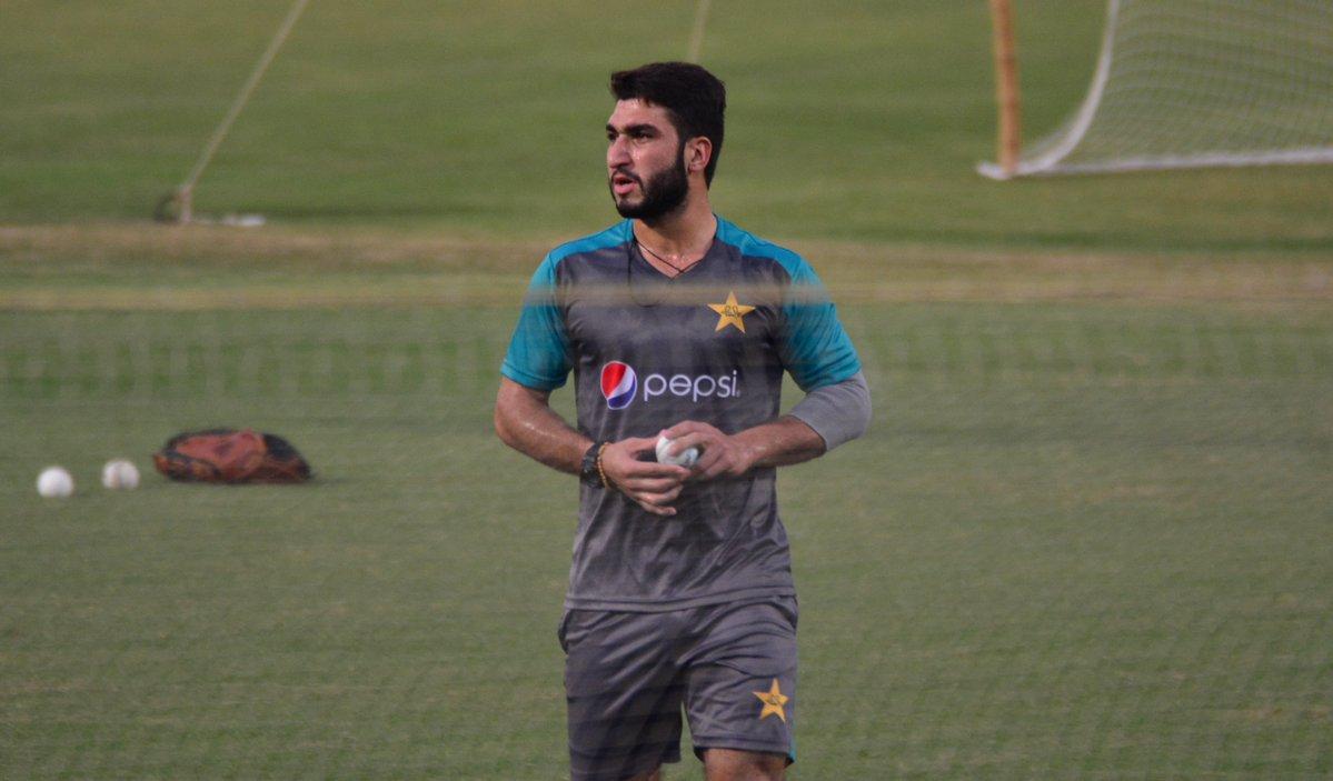 पाकिस्तान के कप्तान सरफराज अहमद के बड़बोल हम विश्व एकादश को तीनों मैच में हरा देंगे 5