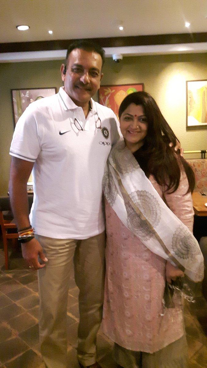 33 साल के लम्बे इंतजार के बाद आखिरकार मिल ही गया रवि शास्त्री के साथ प्यार भरे नगमें बिताने का मौका, जाने कौन है वह बाॅलीवुड हसीन 2