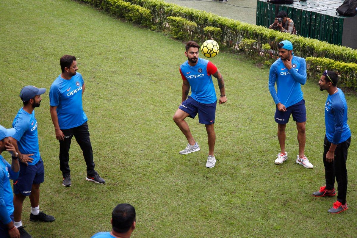 बुरी खबर: कोलकाता में शाम 7 बजे हो सकती है तेज बारिश, जाने पहले बल्लेबाजी या गेंदबाजी करने वाली टीम को होगा फायदा? 6