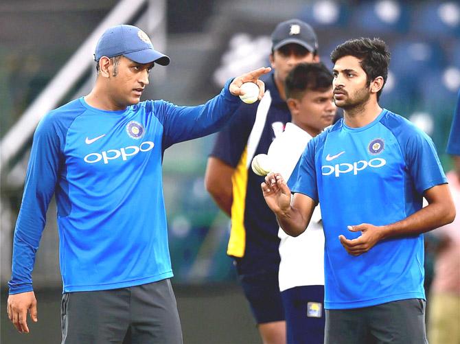ऑस्ट्रेलिया के खिलाफ टीम में शार्दुल ठाकुर के ना चुने जाने के बाद इस पूर्व दिग्गज भारतीय खिलाड़ी ने दिया चौकाने वाला बयान 4