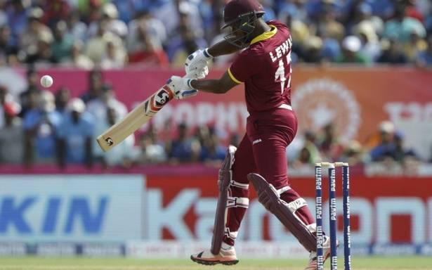 OMG ! एक खतरनाक योर्कर से घायल हुआ यह बल्लेबाज, वरना टूट जाते कई ऐतिहासिक रिकार्ड्स 3