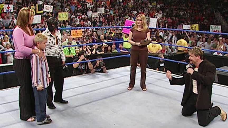 TOP 5: ये हैं WWE की सबसे खराब स्टोरीलाइन जिन्होंने तोड़ दी मर्यादा की सारी हदे, प्रेगनेंसी को भी बना दिया गया था मजाक 14