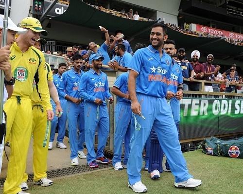 भारत और आस्ट्रेलिया के बीच मैच के दौरान पूर्व ऑस्ट्रेलियाई खिलाड़ी डीन जोंस ने कहा कुछ ऐसा भारतीय प्रसंशको ने लगा दी क्लास 5