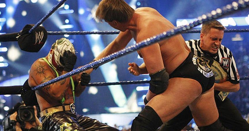 PHOTO: ये हैं WWE रेस्लरो की वो तस्वीरें जो उनके अंतिम मैच के समय ली गयी, 7 वीं तस्वीर देख हो जायेंगे भावुक 2