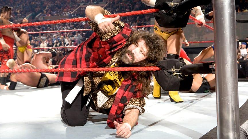 PHOTO: ये हैं WWE रेस्लरो की वो तस्वीरें जो उनके अंतिम मैच के समय ली गयी, 7 वीं तस्वीर देख हो जायेंगे भावुक 8