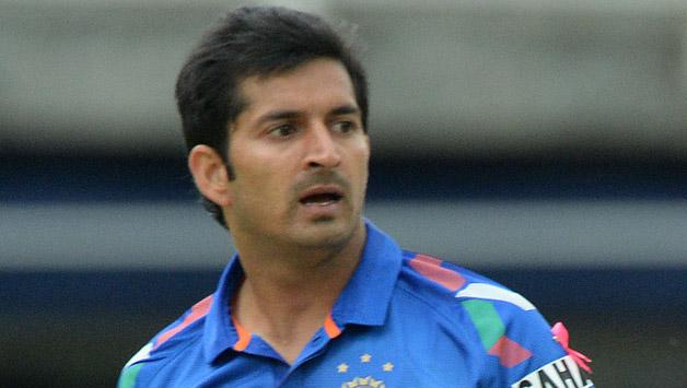 तेज गेंदबाज मोहित शर्मा ने किया बड़ा खुलासा मैच हारने के बाद महेंद्र सिंह धोनी करते हैं ये काम 2