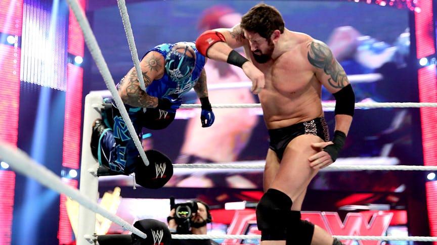 PHOTO: ये हैं WWE रेस्लरो की वो तस्वीरें जो उनके अंतिम मैच के समय ली गयी, 7 वीं तस्वीर देख हो जायेंगे भावुक 5