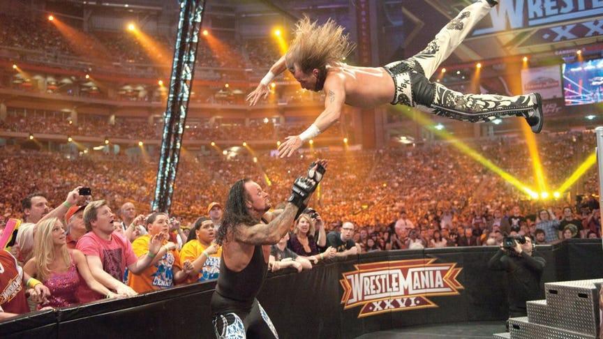 PHOTO: ये हैं WWE रेस्लरो की वो तस्वीरें जो उनके अंतिम मैच के समय ली गयी, 7 वीं तस्वीर देख हो जायेंगे भावुक 1