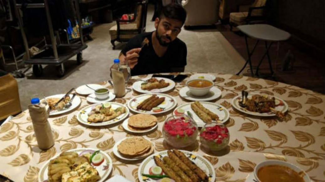 धोनी-बटर चिकन, तो रोहित-आलू पराठा, जाने कोहली और रैना समेत भारतीय खिलाड़ियों का पसंदीदा खाना 3
