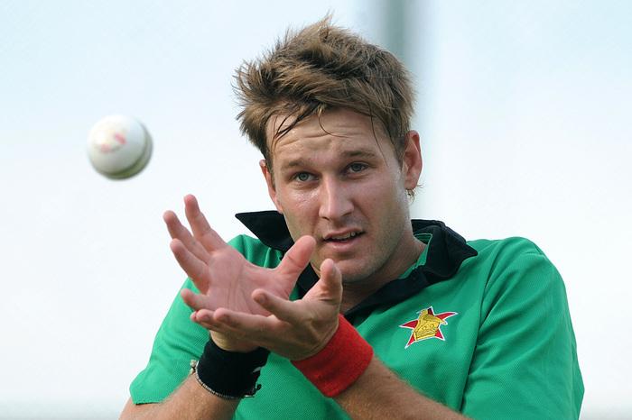 ब्रैंडन टेलर के बाद इस तेज गेंदबाज के फिर से टीम में लौटने से जिम्बाब्वे की टीम को मिली मजबूती 12