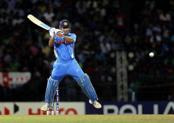 वीडियो: इंग्लैंड के इस बल्लेबाज ने खेला ऐसा शॉट कि वीडियो देखने के बाद नहीं रुकेगी आपकी हंसी, कप्तान मोर्गन ने भी बनाया मजाक 1