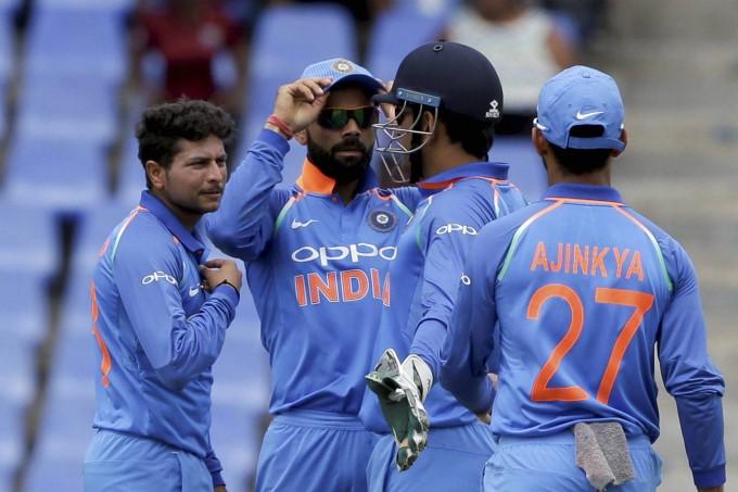 किसने क्या कहा: हैट्रिक लेकर भारत की जीत के सबसे बड़े सूत्रधार बने कुलदीप यादव, भज्जी से लेकर रैना तक सभी ने दी बधाई.... 4