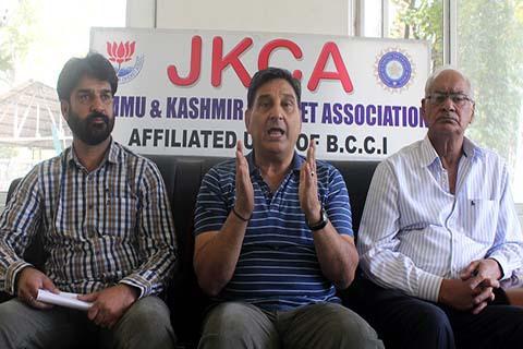जम्मू-कश्मीर से भारत के लिए खेलने वाले एकमात्र खिलाड़ी परवेज रसूल ने जम्मू-कश्मीर की टीम को लेकर दी अपनी प्रतिक्रिया 2