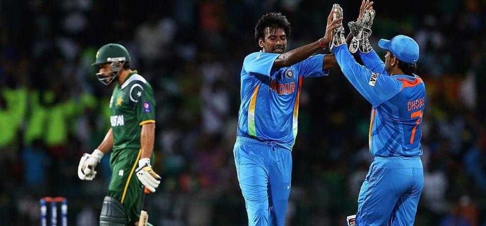 आशीष नेहरा ने किया खुलासा, 2004 पाकिस्तान दौरे पर इमरान खान से भी ज्यादा मशहूर था ये भारतीय खिलाड़ी 2