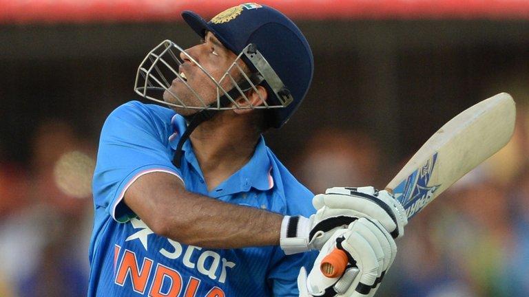 महेंद्र सिंह धोनी ने ऑस्ट्रेलिया के खिलाफ बना रखा है 2 ऐसा रिकॉर्ड जिसे आज तक नहीं तोड़ सका कोई भी खिलाड़ी 9