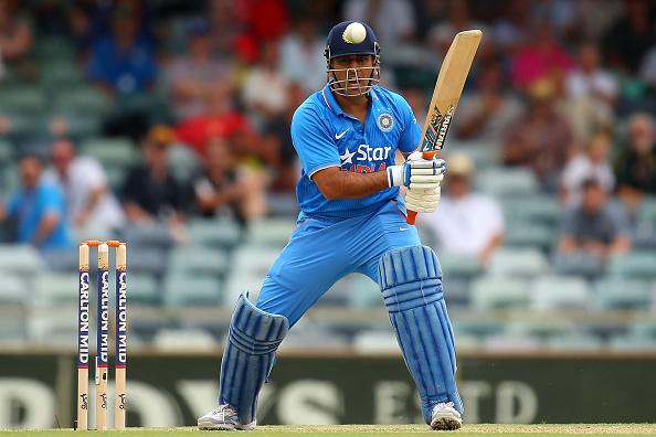 माही के सबसे बड़े रिकाॅर्ड को तोड़ने से महज 7 रनों से चूका वेस्टइंडीज का यह दिग्गज बल्लेबाज, इसी वजह से बने थे पहली बार कप्तान 2