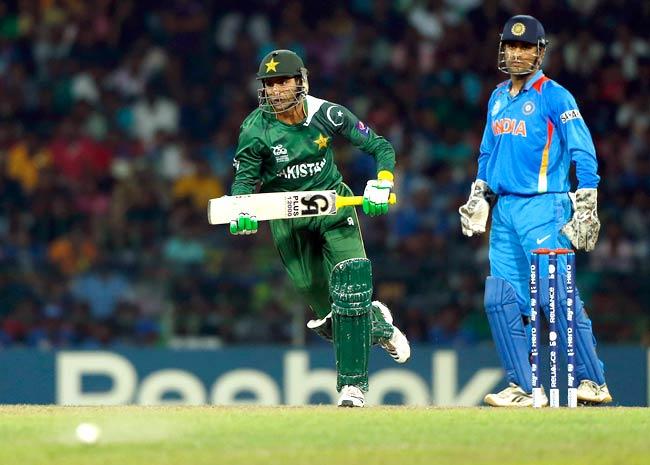 प्रसंशक ने शोयब मलिक से पूछा धोनी के बारे में क्या सोचते हो? मलिक ने दिया ऐसा जवाब जीत लिया करोड़ो भारतीयों का दिल 6