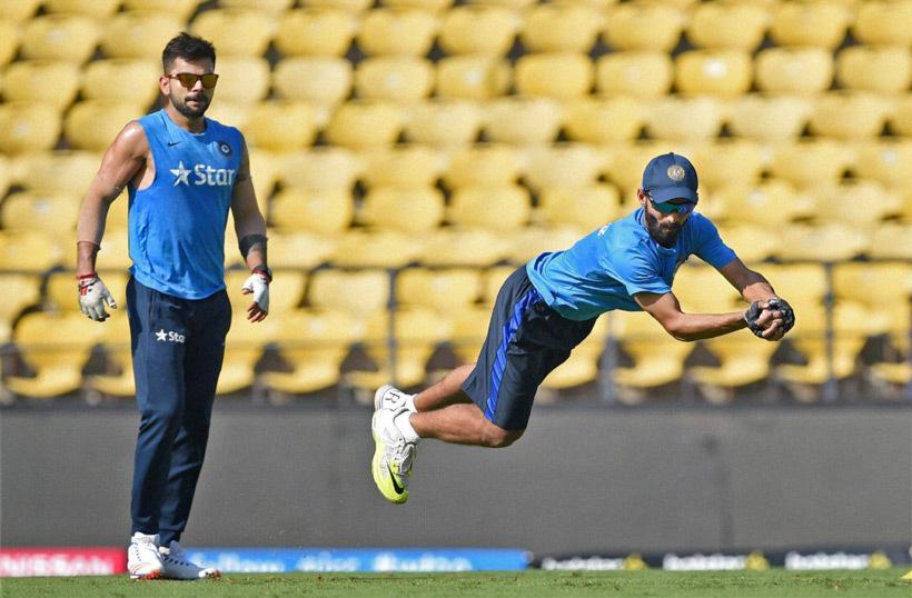 भारतीय टीम के पूर्व कप्तान सौरव गांगुली ने कोहली, धोनी को नहीं बल्कि इस खिलाड़ी को बताया टीम के लिए 'तुरूप का इक्का' 3