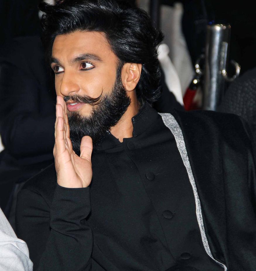 इस मोटी रकम में रणवीर सिंह आईपीएल 2018 की ओपनिंग सेरीमनी में देंगे अपना डांस परफॉर्मेंस 2