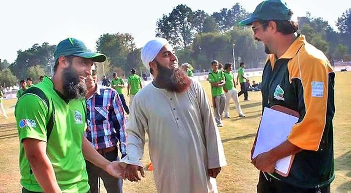 अपनी कजिन बहन से शादी करने के बाद सुर्खियों में आया ये पाकिस्तानी खिलाड़ी, लेकिन अचानक से हुआ कुछ ऐसा कि बन गया इस्लाम प्रचारक 3