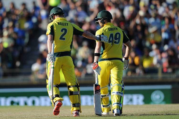 चिन्नास्वामी में खेला जाना है भारत-ऑस्ट्रेलिया के बीच चौथा वनडे मैच, जाने आँकड़ो के अनुसार कौन है जीत का प्रबल दावेदार 4